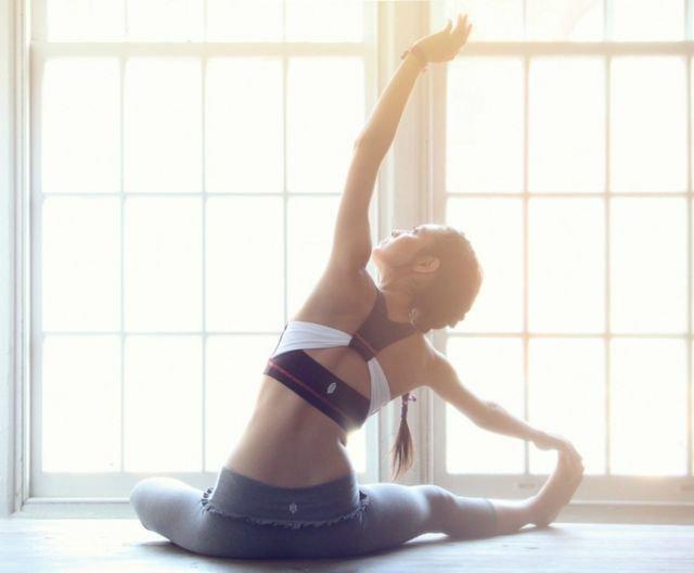 Home fitness: 3 σούπερ ασκήσεις για τόνωση και αδυνάτισμα μέσα σε λίγα λεπτά