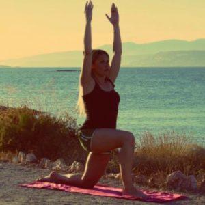 Yogalates: 4 ασκήσεις για να κάψεις το περιττό λίπος στην περιοχή των ποδιών